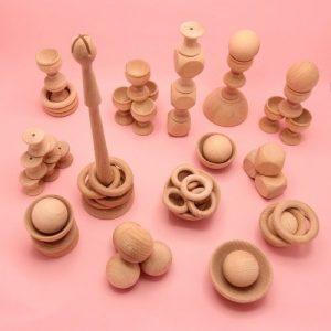 heuristische set compleet in vormen op roze achtergrond